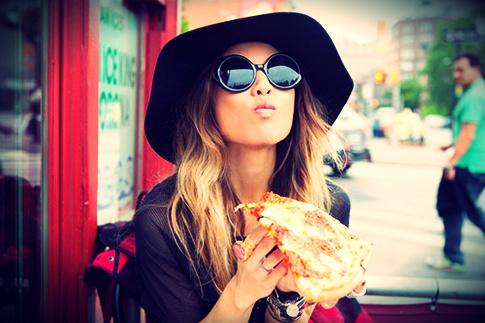 girl-eating-pizza-elite-daily
