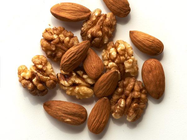 nuts-600x450 0