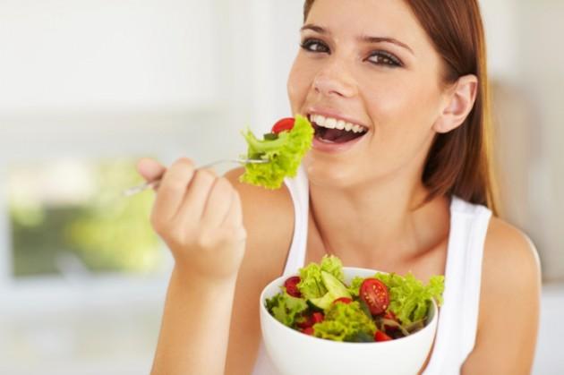 woman-eating-salad-credit-istock-159155665-630x419 e618f