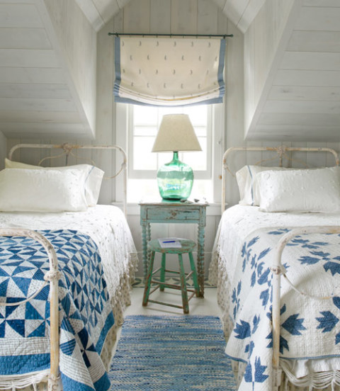 1426778388-54eae1d0cb4d3 - blue-and-white-cottage-bedroom-0712-xln d1f89