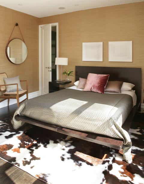 art in bedroom chic c9fe4