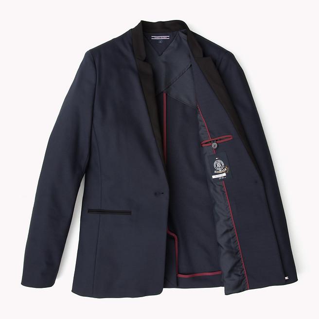 Τι σακάκι μπορώ να φορέσω πάνω από κολλητό φόρεμα  - Queen.gr 17f9760027f