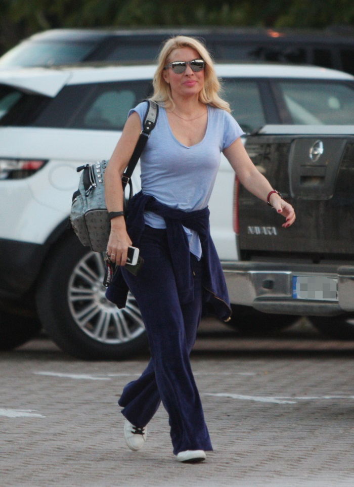 06c89e96ef Ελένη Μενεγάκη  Με φόρμες στο μάθημα pilates - Queen.gr