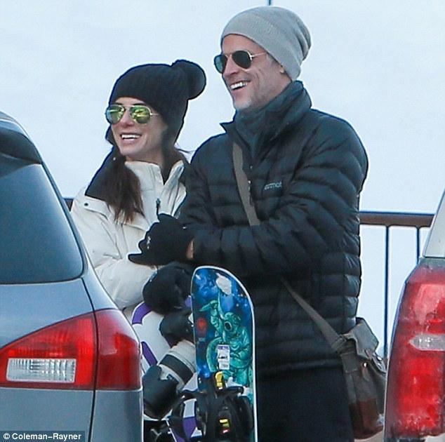 sandra bullock ski with boyfriend4 e332b