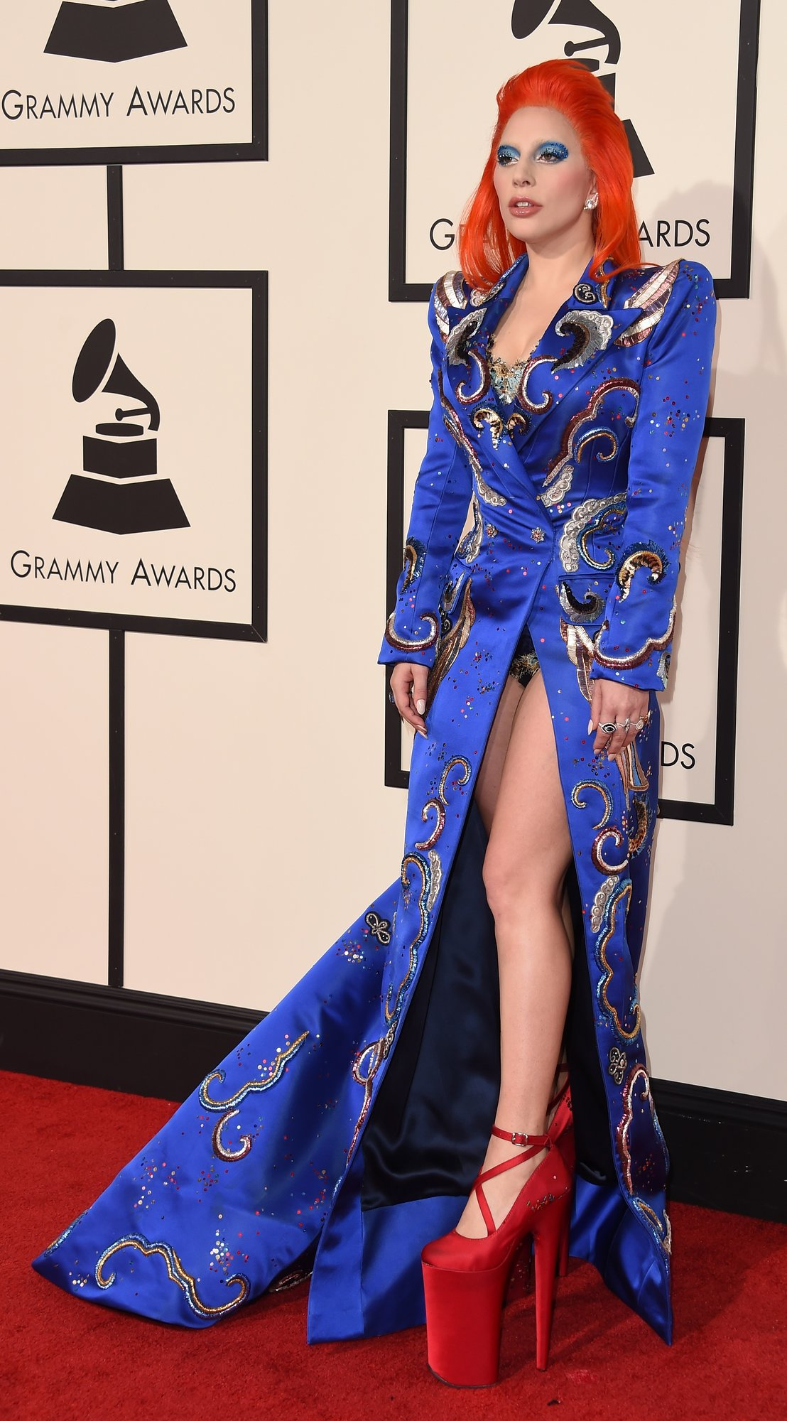 lady gaga grammys red carpet 2016 8d46c