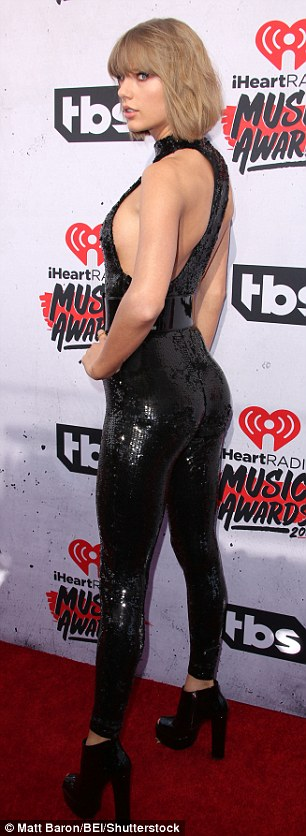 taylor swifts butts4 e2a9a