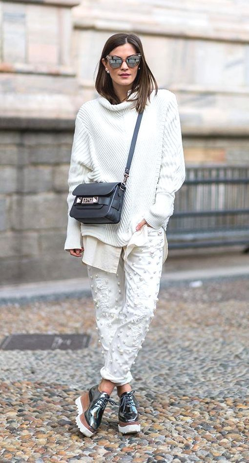 f7de52f20cd6 10+1 τρόποι για να φορέσεις με στυλ τα πλεκτά σου πουλόβερ το ...
