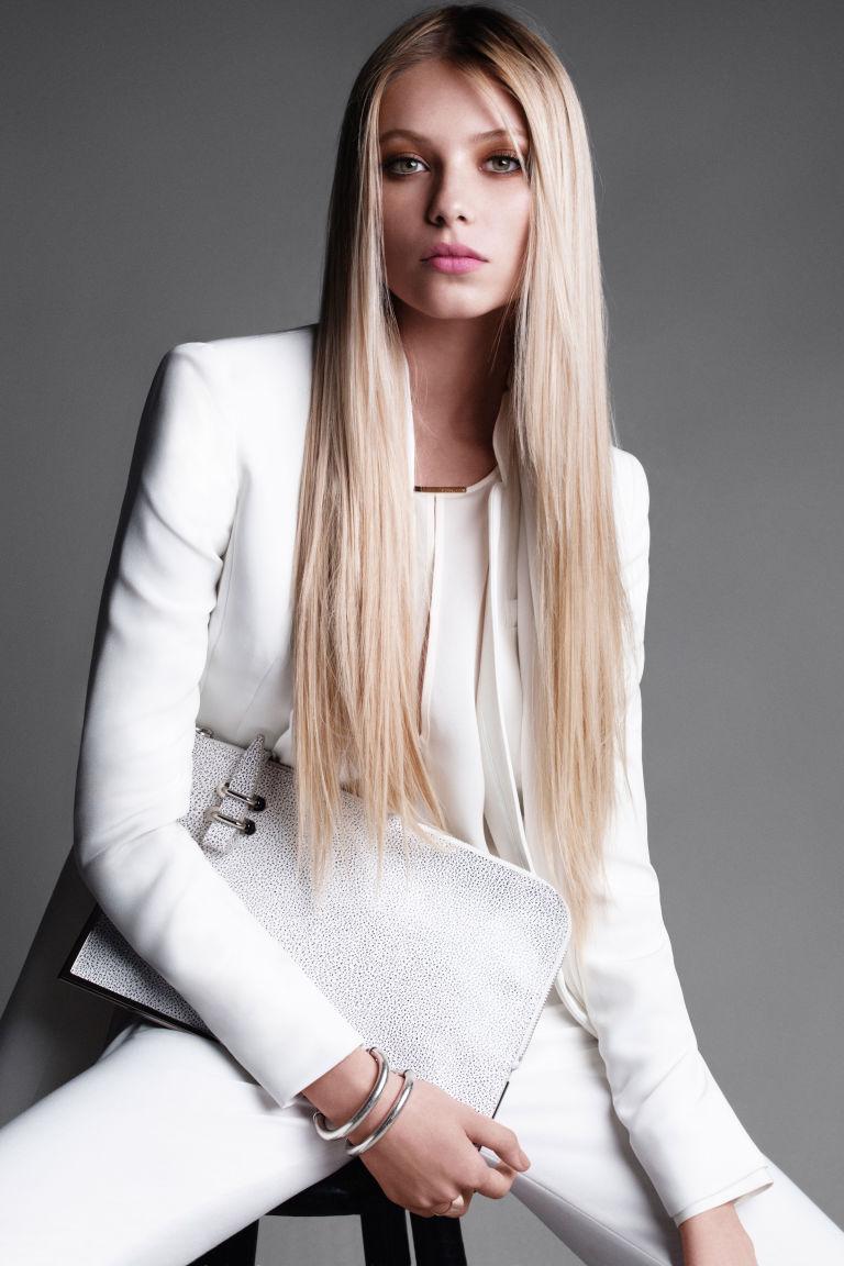 54988589e0bcd hbz oct 2012 straight hair 11