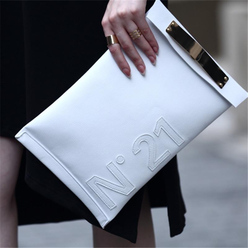 54a716862d Πέντε tips για να ανακαλύψεις ποια τσάντα θα κρατήσεις τη φετινή ...