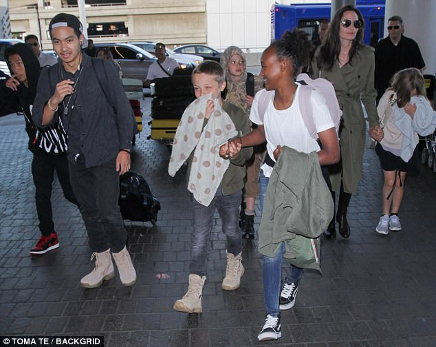 4183260100000578 4614758 Whole gang s here All six of the Jolie Pitt kids were along for a 45 1497768433820