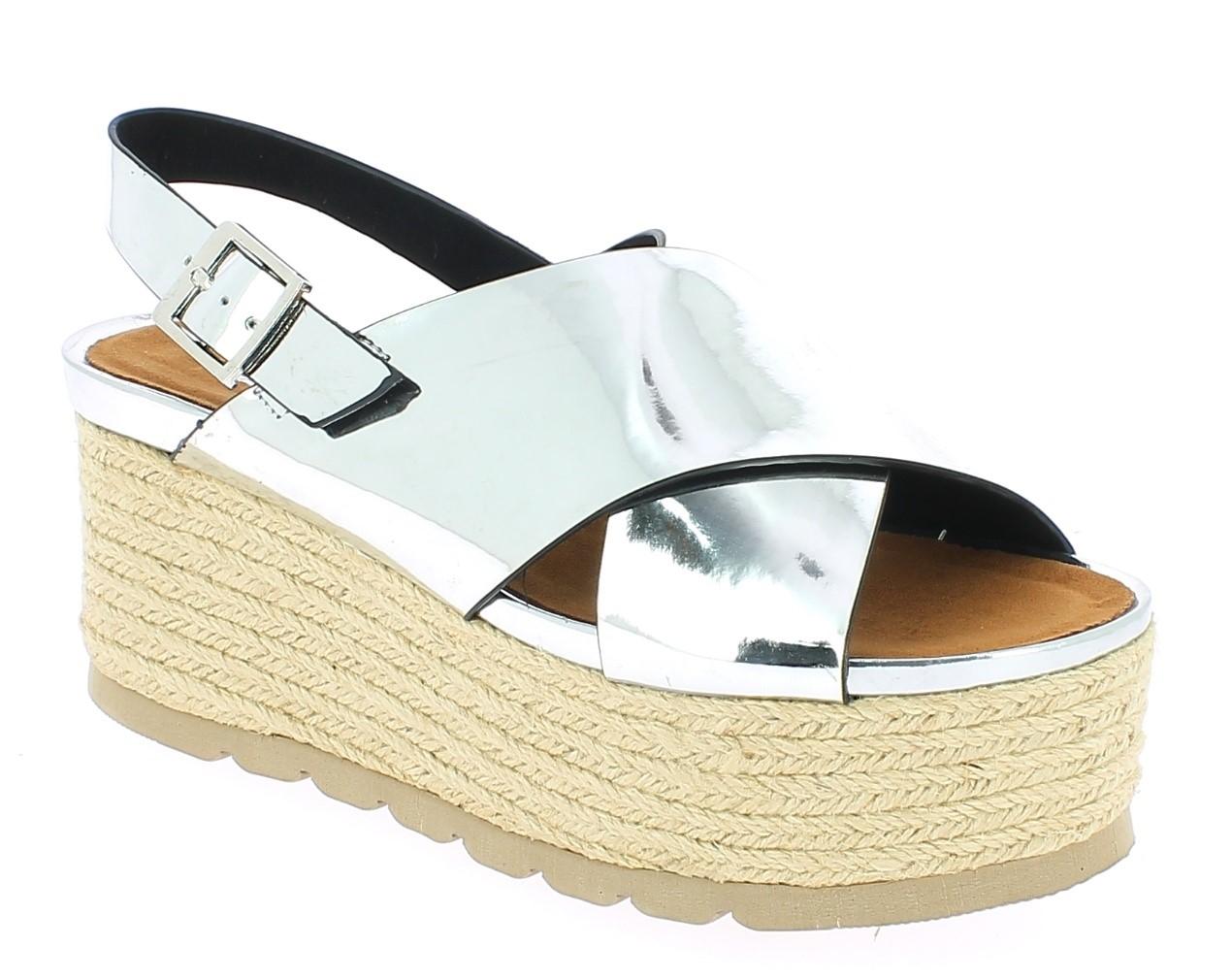 16653ec0960 Αυτό το καλοκαίρι, μη νοιάζεστε για το πόσα χρήματα θα πληρώσετε για τα  παπούτσια της οικογένειάς σας. Έχει φροντίσει το www.iqshoes.gr να έχει τις  ...