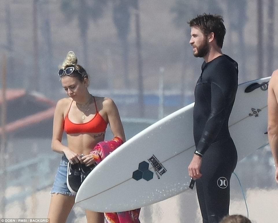 4565253300000578 4986852 Long romance Miley and Liam met on the set of the 2009 film The a 71 1508197327202