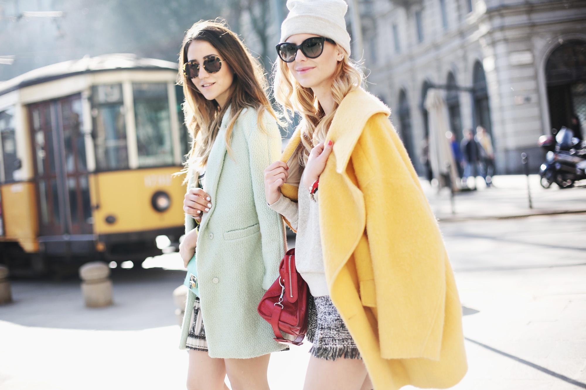 street style en milan spring print 884670239 2000x1333