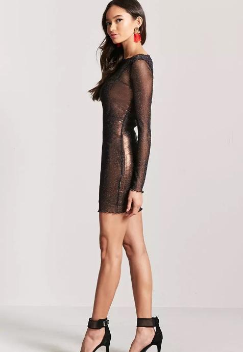 3f21bc534b0e Οδηγός Αγοράς: 20 εντυπωσιακά φορέματα για το Ρεβεγιόν της ...
