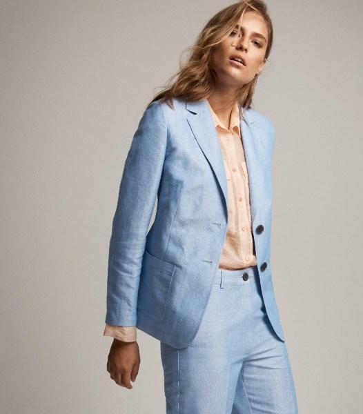 24f40ef7e2e8 Αυτά είναι τα επτά κορυφαία fashion items της νέας σεζόν! - Queen.gr