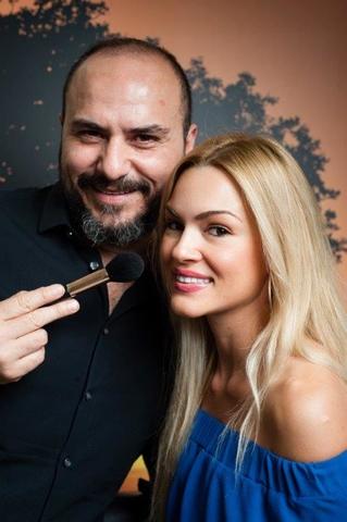 Vicky Kavoura Macedonio Bezerra