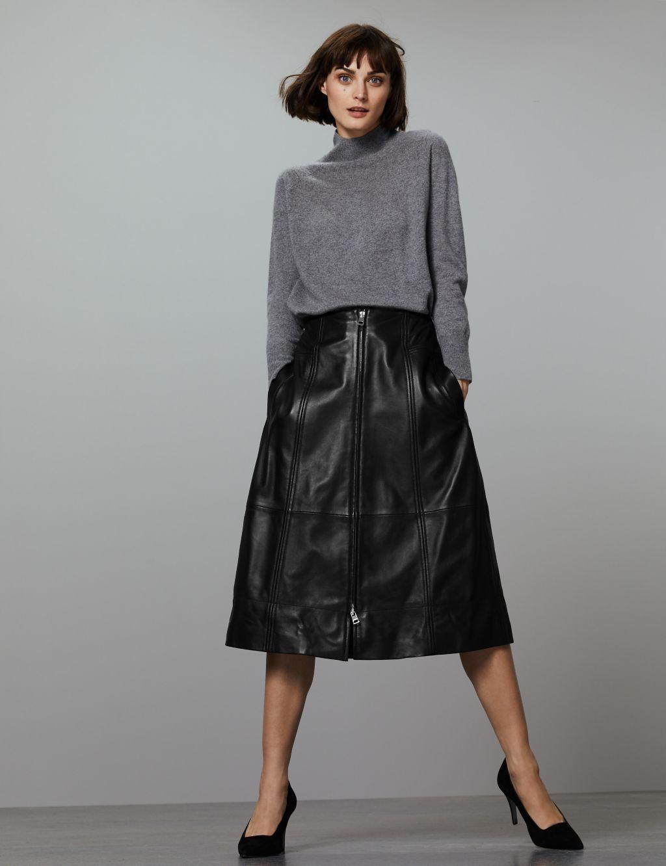 Οδηγός Αγοράς  12 midi φούστες για ultra chic εμφανίσεις - Queen.gr e9fb6886e41