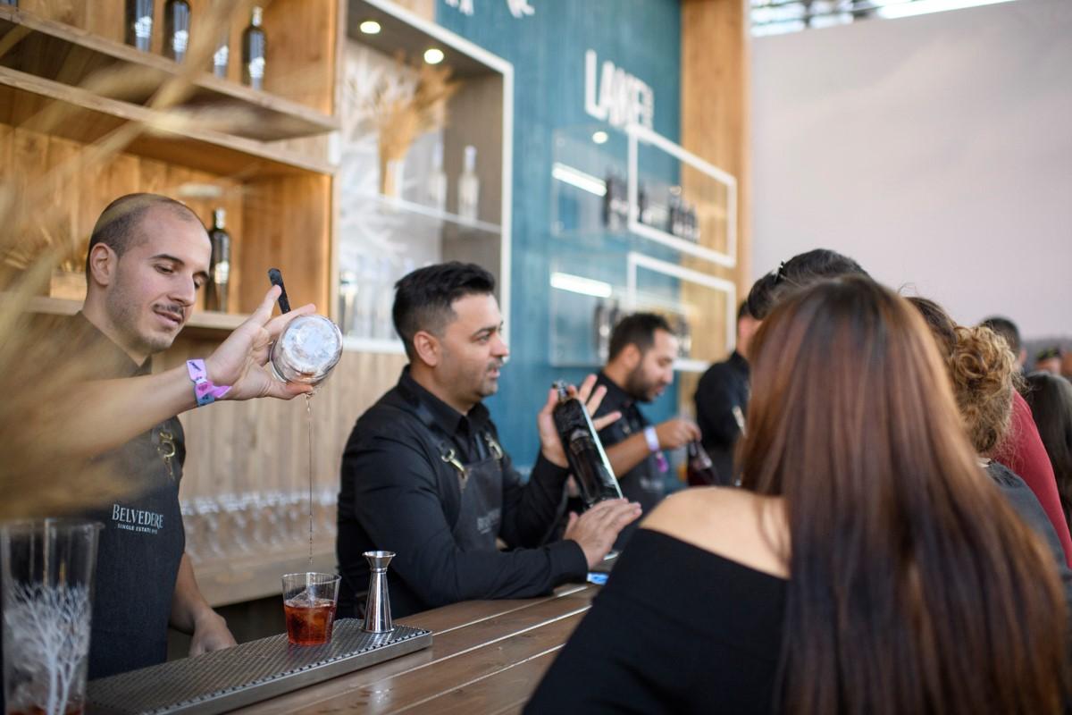 bar show 3