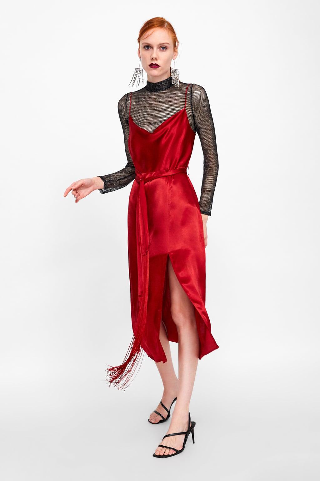 5fdcf0c1a1c Oδηγός Αγοράς: 18 κόκκινα ρούχα και αξεσουάρ για να εναρμονιστείς με ...